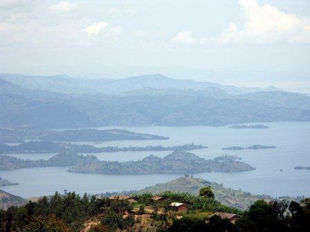 Aussicht von Rutsiro auf den Kivusee (gegen Süden)