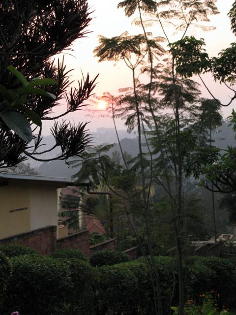 Ein Bild für Alle, die schon morgens früh beim Sonnenaufgang romantischen Stimmungen verfallen können...