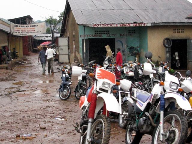 Auch die Motos werden vermarktet