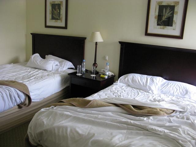 Der Renner bezüglich Komfort stellt natrürlich das Kivu Sun Hotel in Gisenyi dar. Neben den angenehmen Zimmern gibt es auch einen Pool und der Strand liegt vor der Türe.
