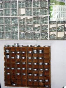 Von allen Fabrikationschargen werden Muster aufbewahrt