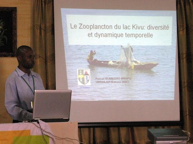 Kürzlich nahm ich an einem Workshop über die ökologischen Probleme des Kivusees teil. Da ging es neben dem Methan auch im Fische