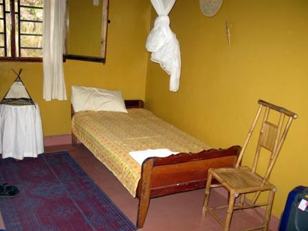 Zimmer Nr. 2 im Guesthouse des Forêt de Nyungwe. Hier kann man sich auf das Schimpansentrekking vorbereiten oder sich davon erholen.